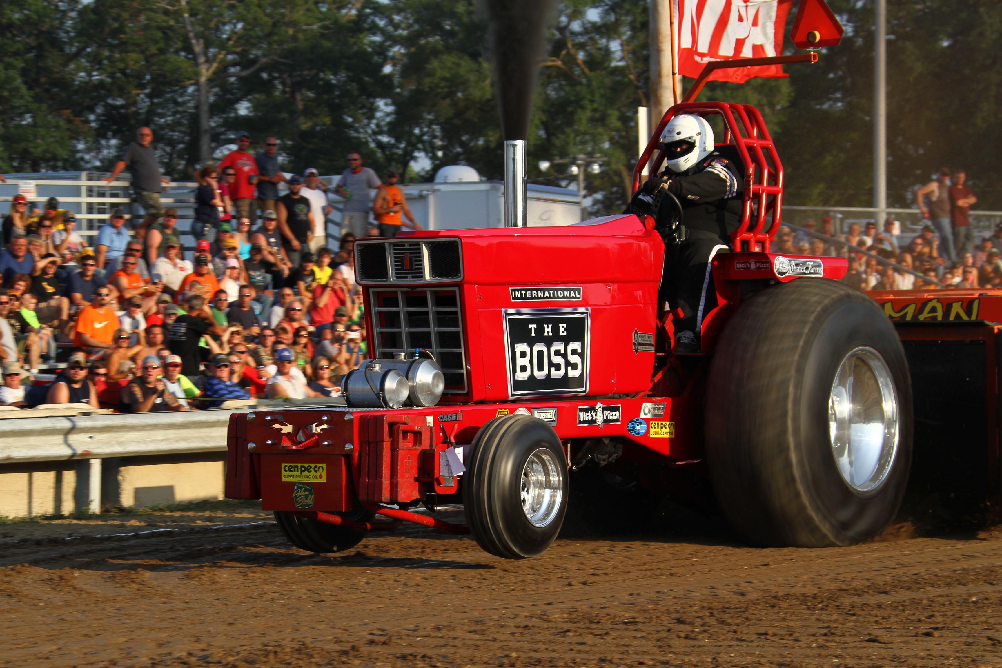 Black White An D Tractor Pulling Wagon : Harness horse racing events get free image about